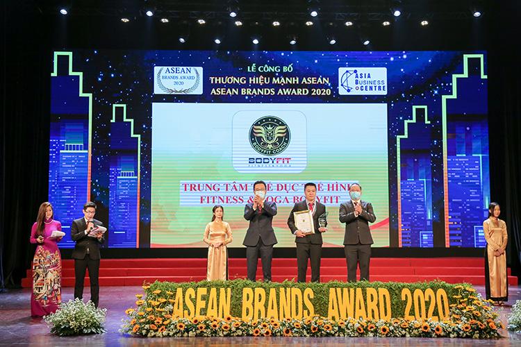 Bodyfit Coach top 10 thương hiệu ASEAN Brands Award 2020